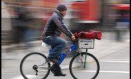 Yeni Şehirde Bulunan Tantuni Ve Döner Salonuna Bisikletli Kurye
